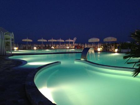 La nostra spiaggia hotel amigos cervia milano marittima hotel tre stelle - Bagno holiday village ...